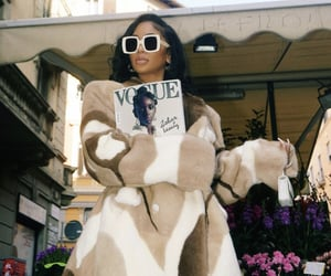 fashion, italy, and saweetie image