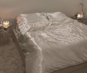 silk and bed image