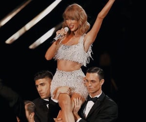 1989, live, and Taylor Swift image