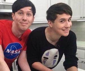 amazingphil, danhowell, and phillester image