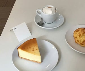 aesthetic, cakeslice, and caféfood image