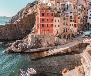 aesthetic, italy, and sea image