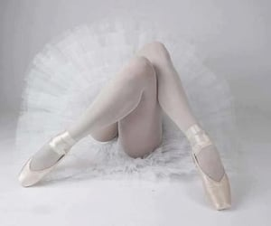 aesthetic, dancer, and legs image