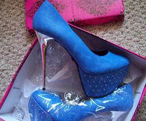 high heels, sexy, and girls need image