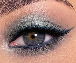 máquillaje, eyeshadow+eyelashes, and ombretto+lids chatten image