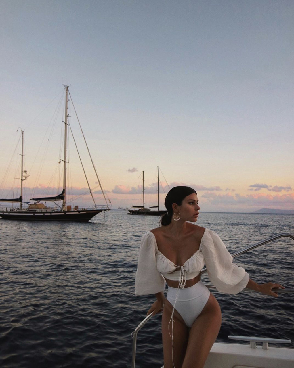 article, Drake, and kanye west image