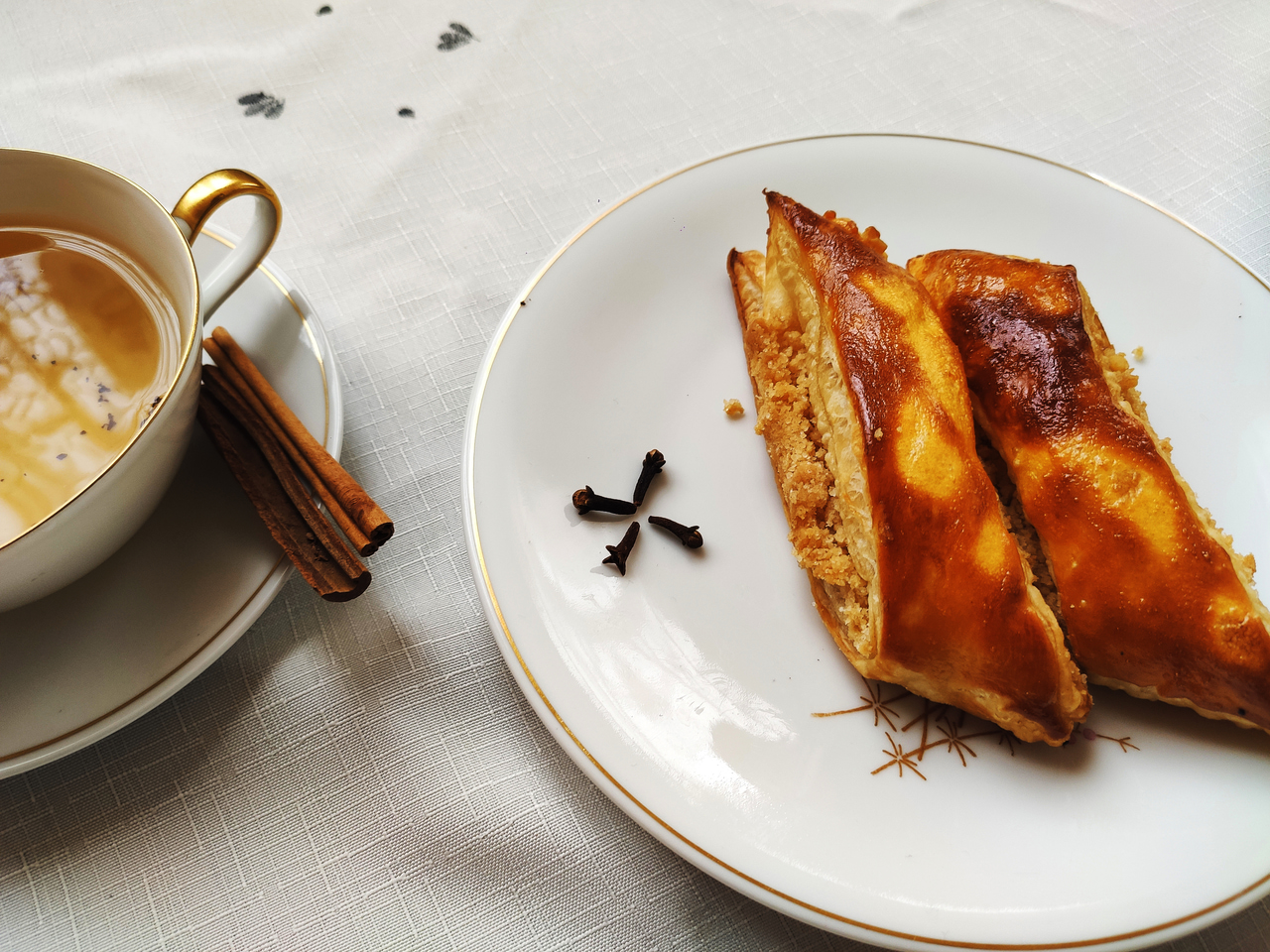 article, food, and pastry image