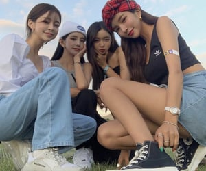 article, discovery, and girl group image