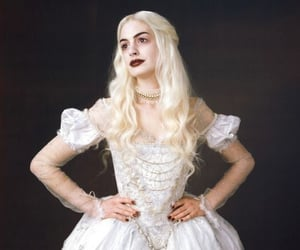 alice in wonderland, Anne Hathaway, and Queen image
