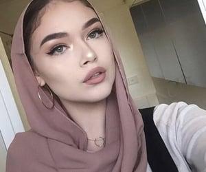 beautiful, hijab, and muslim woman image