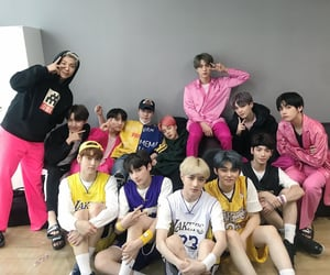 txt and bts image