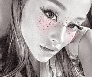 aesthetic, soft, and ariana grande selfie image