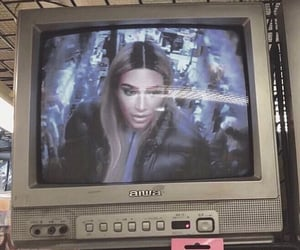 kim kardashian, aesthetic, and vintage image
