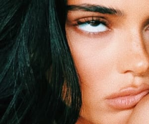 mood and kendall jenner image