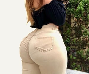 curvy, peach, and site model image