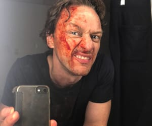 it, james mcavoy, and a coisa image