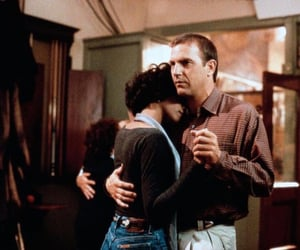 thebodyguard, kevincostner, and witneyhouston image