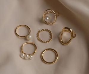 bracelet and earrings image