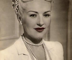 actress, Betty Grable, and carte postale image