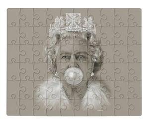 queen elizabeth ii art and queen elizabeth bubblegum image