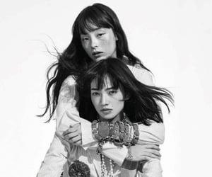 小松菜奈 and モトーラ世理奈 image
