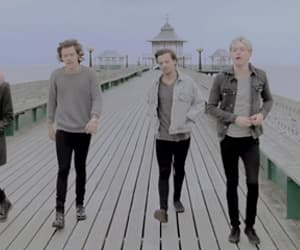 gif, louis tomlinson, and one direction image