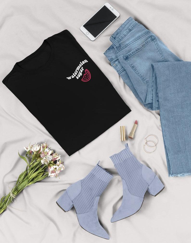 harry styles t shirt, harry styles etsy, and harry styles shirt image