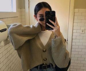 aesthetic, summer, and bathroom image