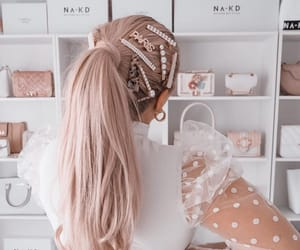 hair, hair jewelry, and ponytail image