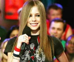 Avril Lavigne and singer image