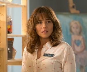 dead to me, linda cardellini, and tv show image