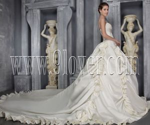 glamorous wedding dresses, gorgeous bridal gowns, and couture wedding dresses image
