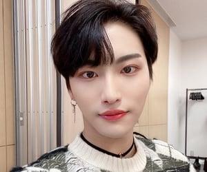 selfie, seonghwa, and kang yeosang image