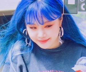 girl, soojin, and kpop image