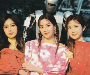 - hyewon,eunbi, and hitomi