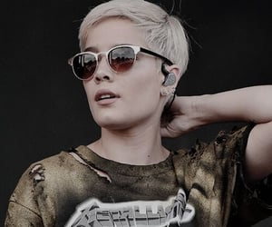 short hair, halsey, and blonde image