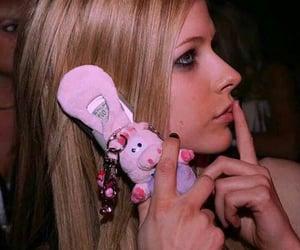 Avril Lavigne, 00s, and icon image