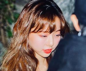 preview, yves, and chuu image