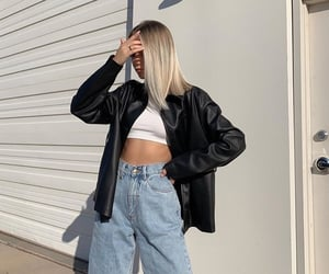 spring look, street style, and Sunny image