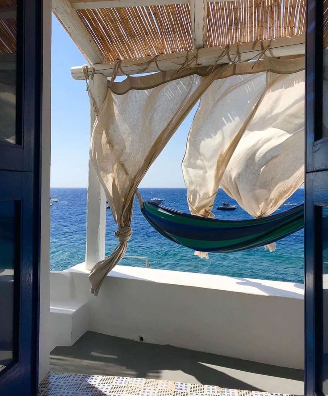sea and travel imageの画像