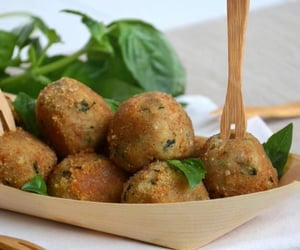 food, basilico, and aperitif image