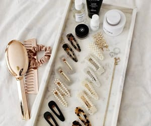 comb, gold, and pearl image