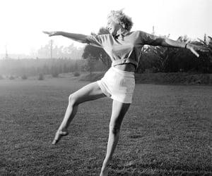 blackandwhite, girl, and dance image