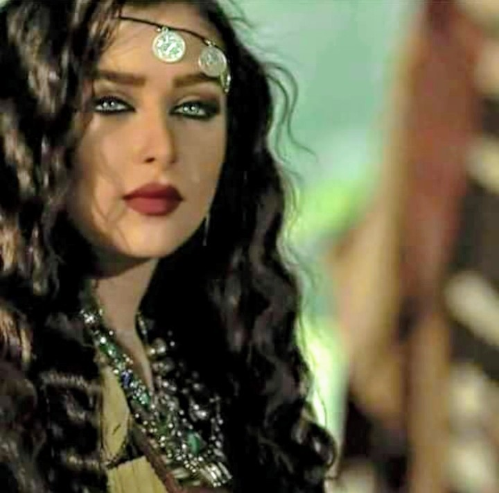 Pics arab girls Top 10