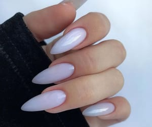 nails and look image
