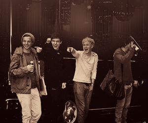 boys, boo bear, and louis tomlinson image