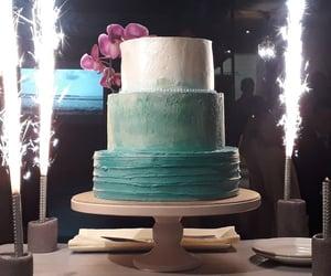cake, wedding cake, and dessert image