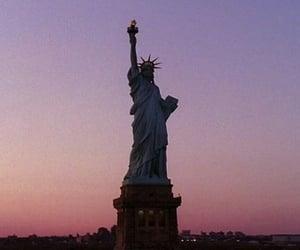 new york, statue of liberty, and gossip girl image