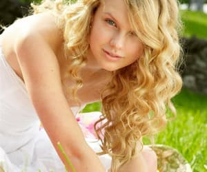 13, lover, and Swift image