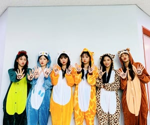 costumes, asian, and kpop image